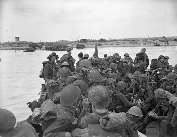 Photo of commandos landing