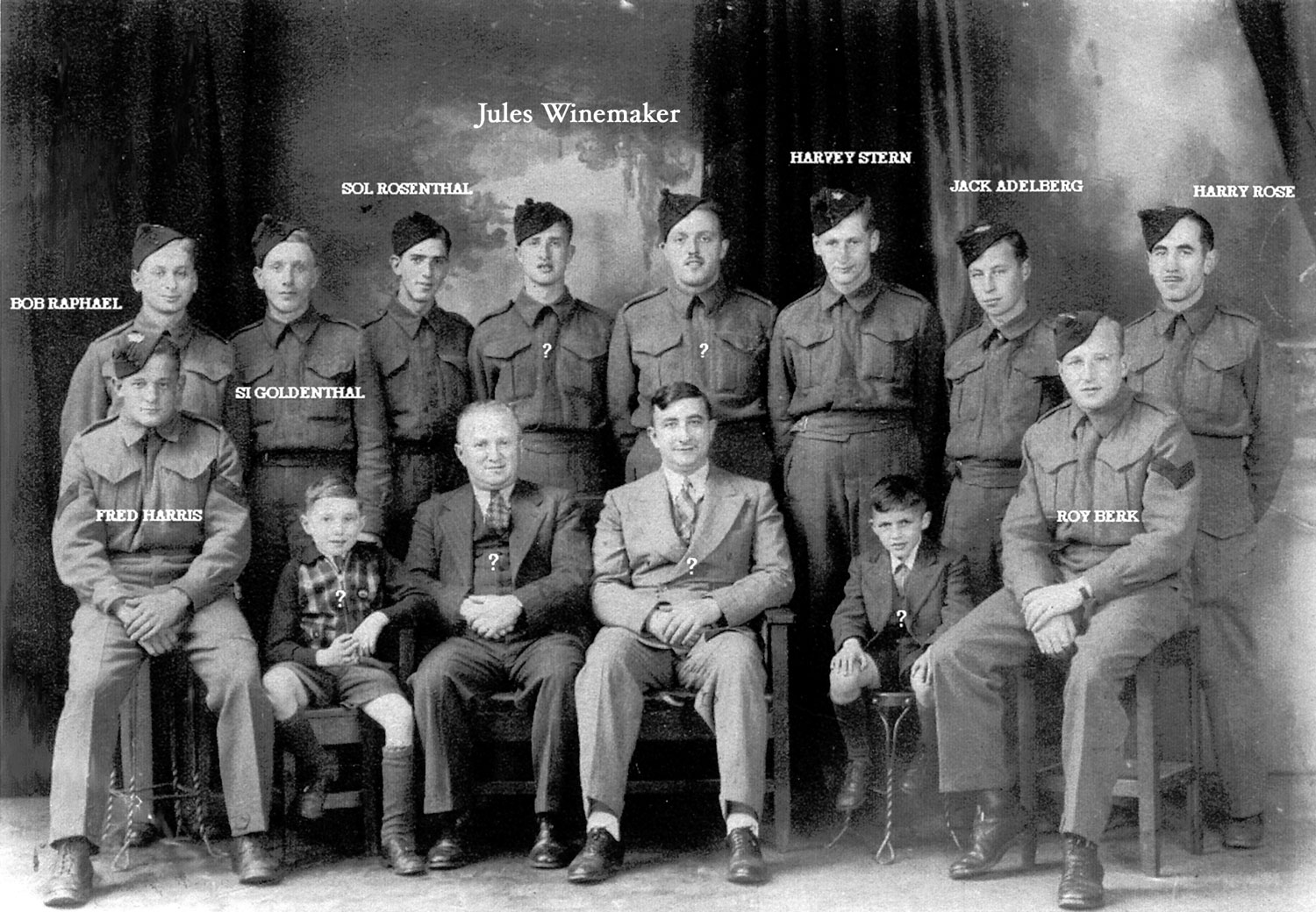 Photo of Freddy Harris and other Jewish Soldiers.