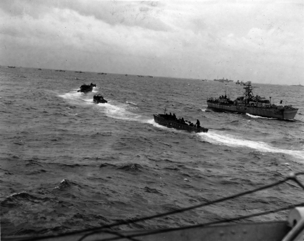 Photo of Landing craft heading into Juno Beach, 6 June 1944.
