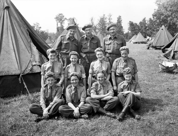 Photo of medical staff, No. 10 Canadian General Hospital