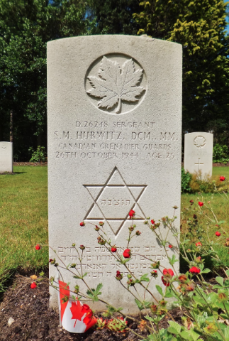The grave site of Samuel Moses Hurwitz at the Bergen-op-Zoom Canadian War Cemetery. Photo: Astrid, 2013.