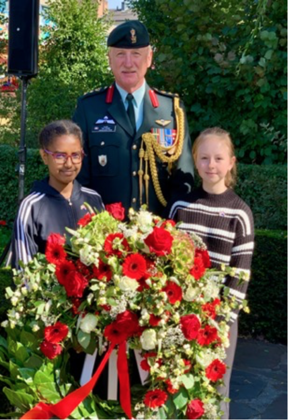 Wreath laying at the 75th Anniversary of the Liberation of Veghel, 15 September 2019. Local children play a significant role in commemorative events. Canadian Defence Attaché Colonel Tim Young.