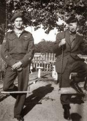 Léo Major (left) and Willie Arseneault (right) c. 1944.