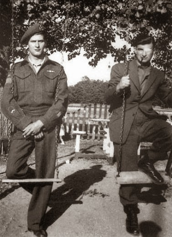 Léo Major (left) and Willie Arseneault (right) c. 1944.